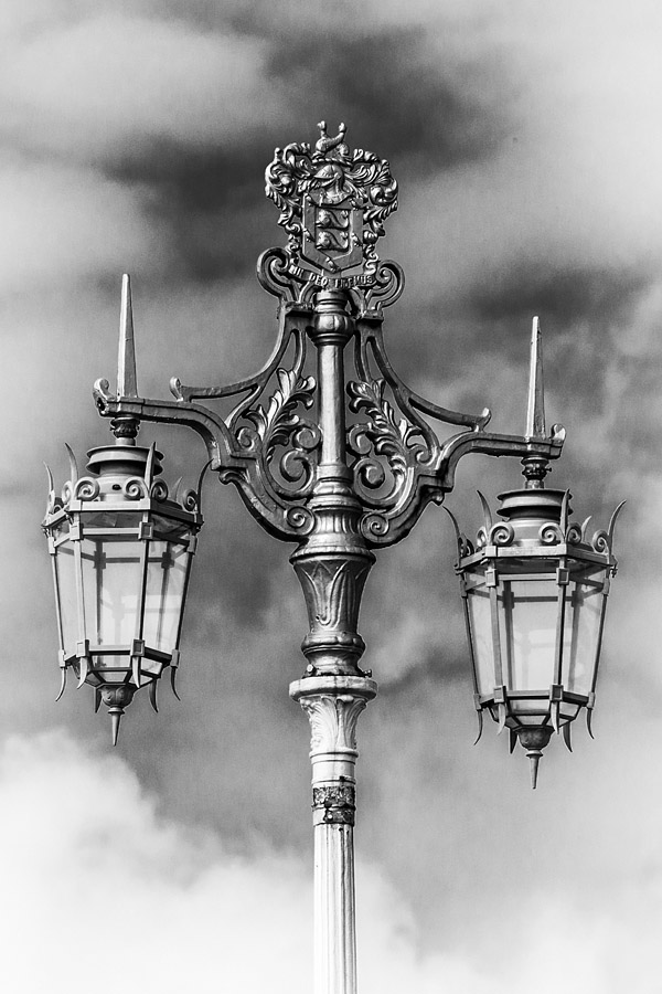 Street light, a feature of the iconic Brighton seafront