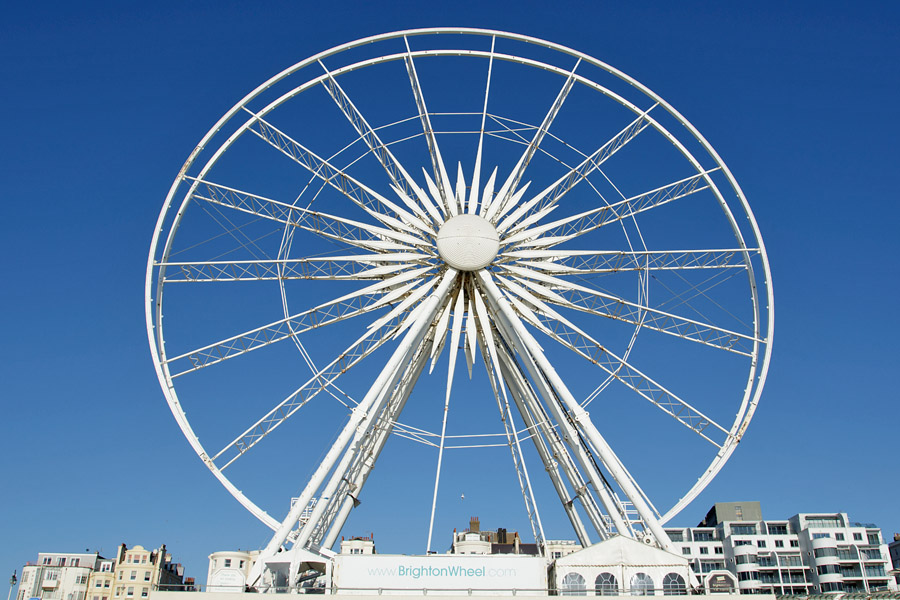 The Brighton Wheel after the viewing buggies had been removed.